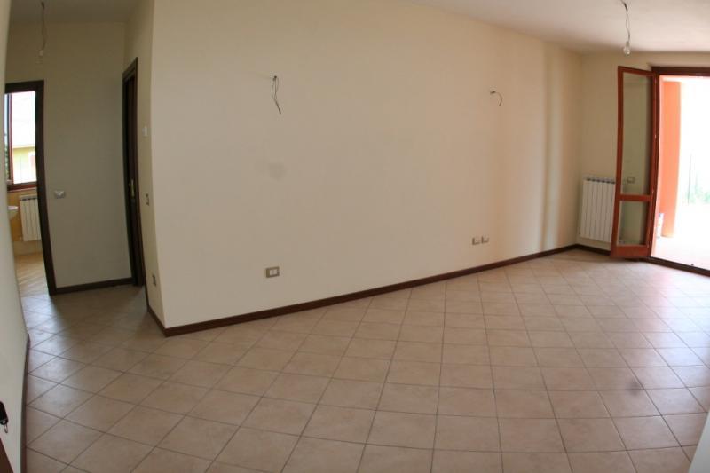 Appartamento in vendita a Sarnano, 5 locali, prezzo € 89.000 | Cambio Casa.it