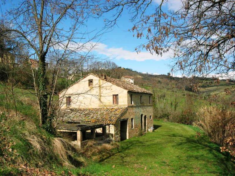 Soluzione Indipendente in vendita a Montegiorgio, 4 locali, prezzo € 95.000 | Cambio Casa.it
