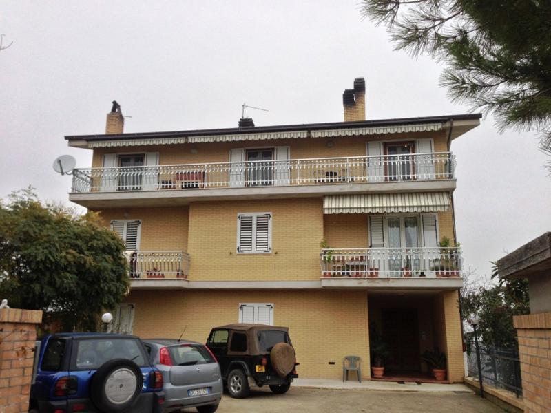 Appartamento in vendita a Santa Vittoria in Matenano, 4 locali, prezzo € 90.000 | Cambio Casa.it