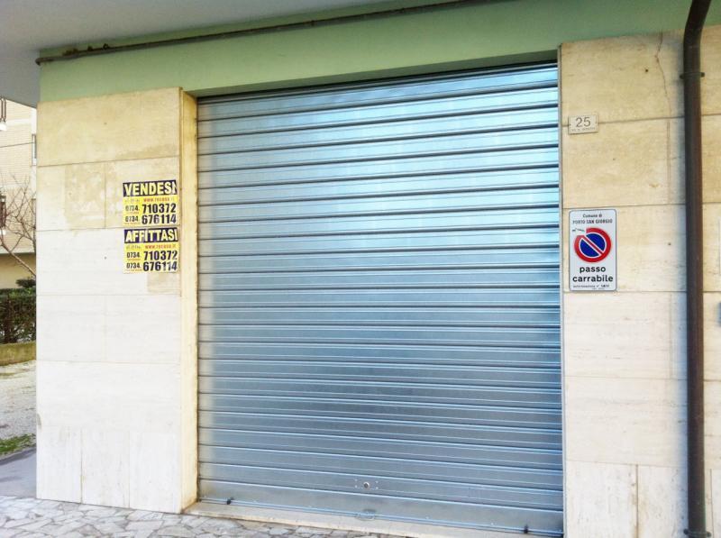 Attività / Licenza in Vendita a Porto San Giorgio