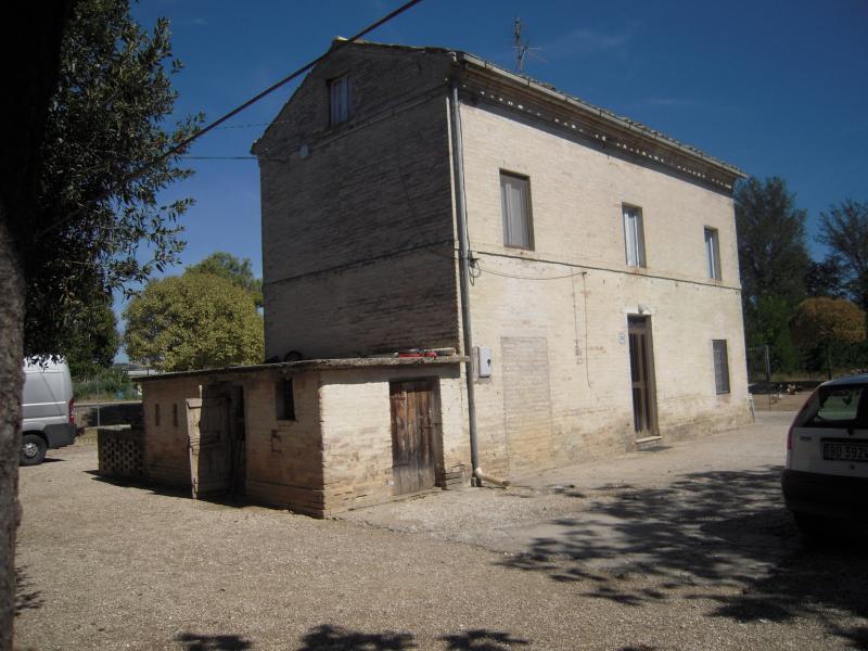 Soluzione Indipendente in vendita a Ponzano di Fermo, 8 locali, zona Zona: Capparuccia, prezzo € 248.000   Cambio Casa.it