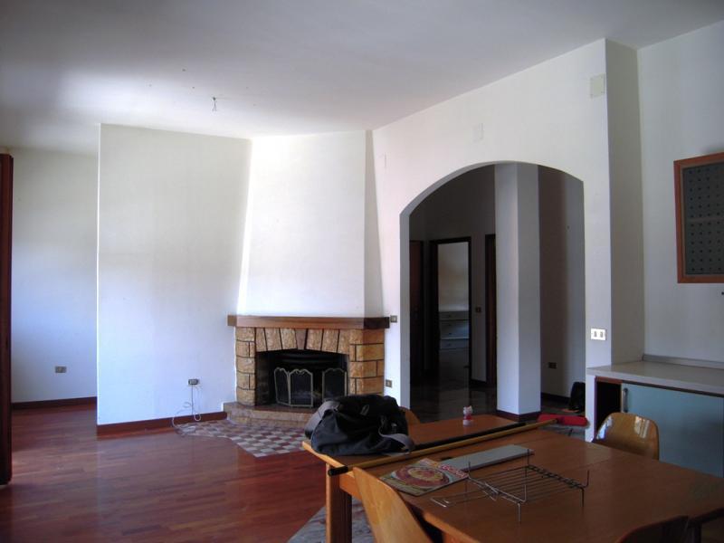 Appartamento in vendita a Servigliano, 6 locali, prezzo € 129.000 | Cambio Casa.it