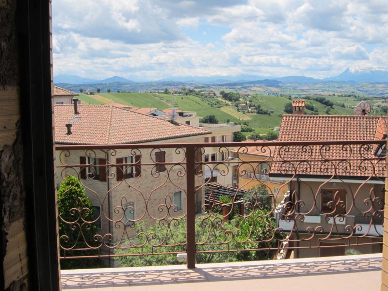 Appartamento in vendita a Monte San Giusto, 5 locali, prezzo € 90.000 | Cambio Casa.it