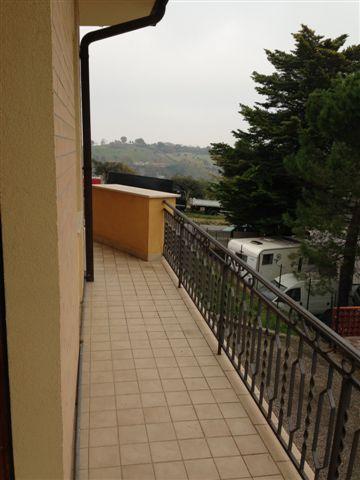 Soluzione Indipendente in vendita a Magliano di Tenna, 8 locali, prezzo € 160.000 | Cambio Casa.it