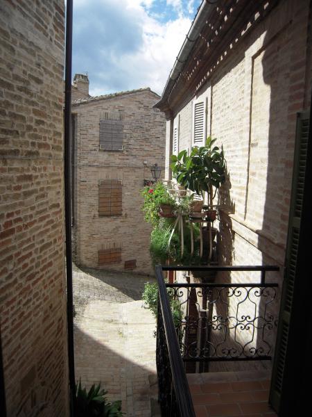 Appartamento in vendita a Montottone, 5 locali, prezzo € 90.000 | Cambio Casa.it