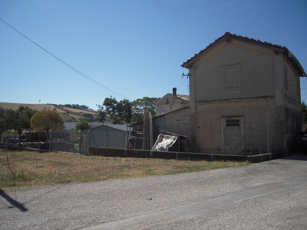 Soluzione Indipendente in vendita a Ponzano di Fermo, 5 locali, prezzo € 80.000   Cambio Casa.it