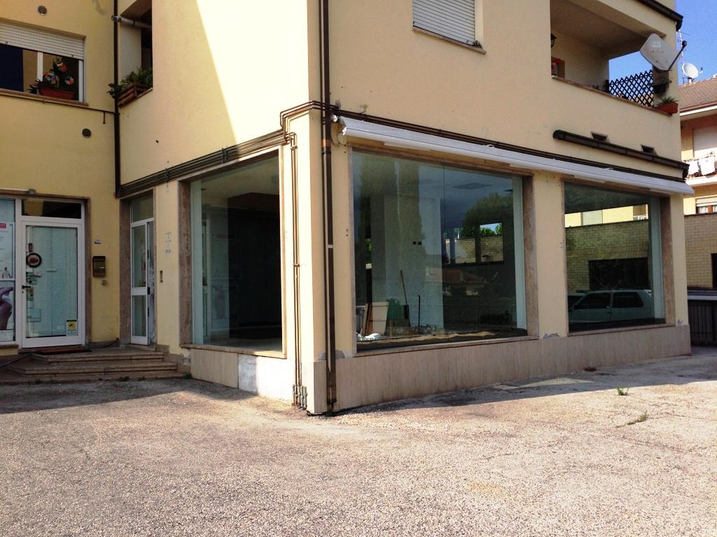 Attività / Licenza in affitto a Rapagnano, 9999 locali, prezzo € 750 | Cambio Casa.it