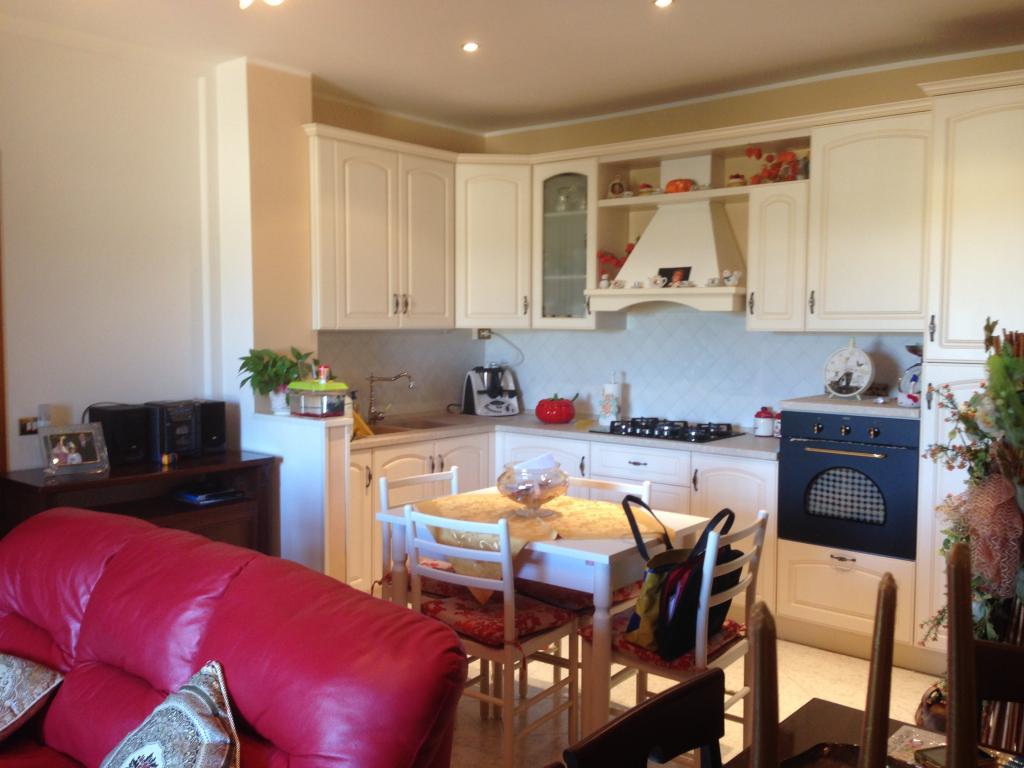 Appartamento in vendita a Montegiorgio, 4 locali, prezzo € 125.000 | Cambio Casa.it