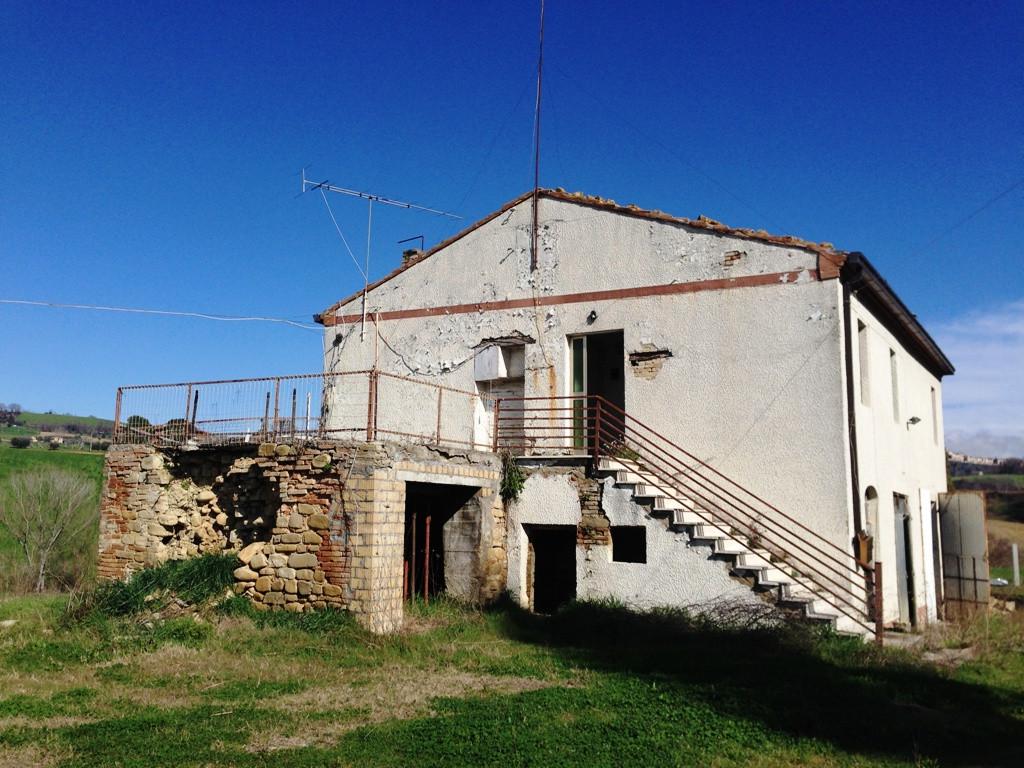 Soluzione Indipendente in vendita a Monteleone di Fermo, 8 locali, prezzo € 174.000 | Cambio Casa.it