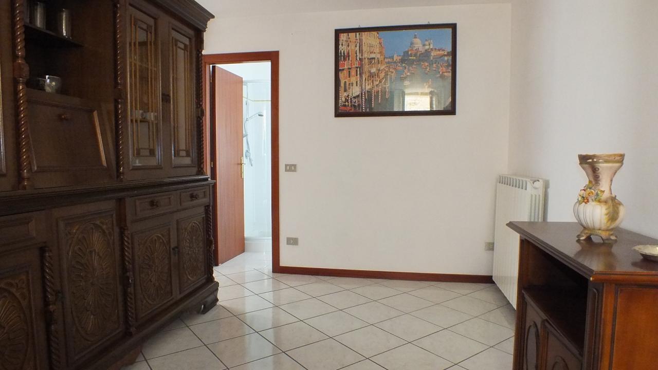 Soluzione Indipendente in vendita a Penna San Giovanni, 5 locali, prezzo € 55.000 | Cambio Casa.it