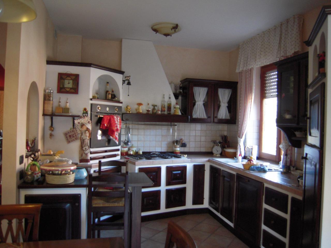 Soluzione Indipendente in vendita a Montegiorgio, 20 locali, prezzo € 500.000 | Cambio Casa.it