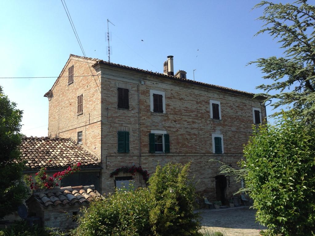 Soluzione Indipendente in vendita a Servigliano, 8 locali, prezzo € 165.000 | Cambio Casa.it