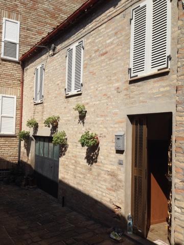 Appartamento in vendita a Montegiorgio, 7 locali, prezzo € 75.000 | PortaleAgenzieImmobiliari.it