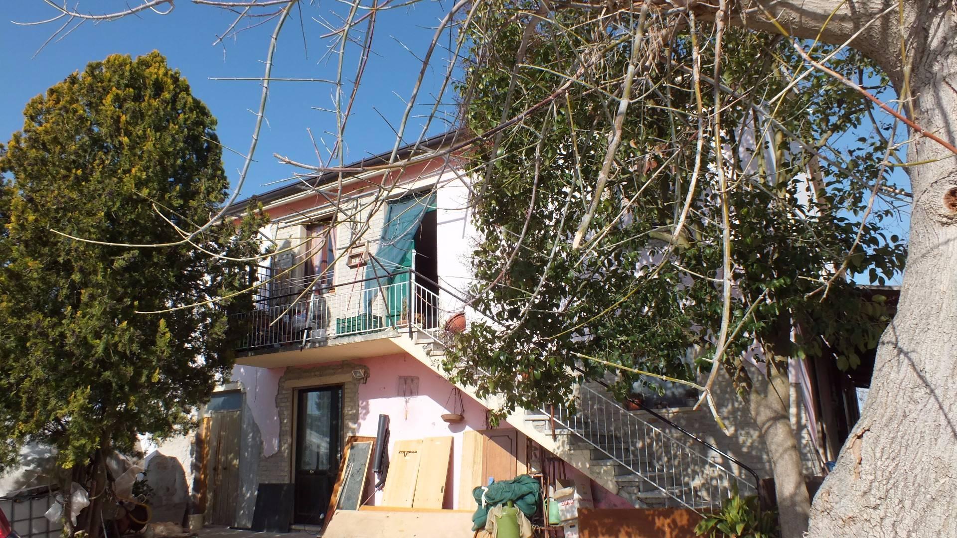 Soluzione Indipendente in vendita a Monte San Pietrangeli, 10 locali, prezzo € 240.000 | CambioCasa.it