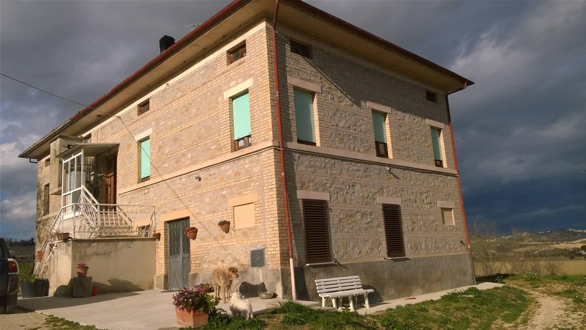 Soluzione Indipendente in vendita a Servigliano, 10 locali, prezzo € 260.000 | CambioCasa.it