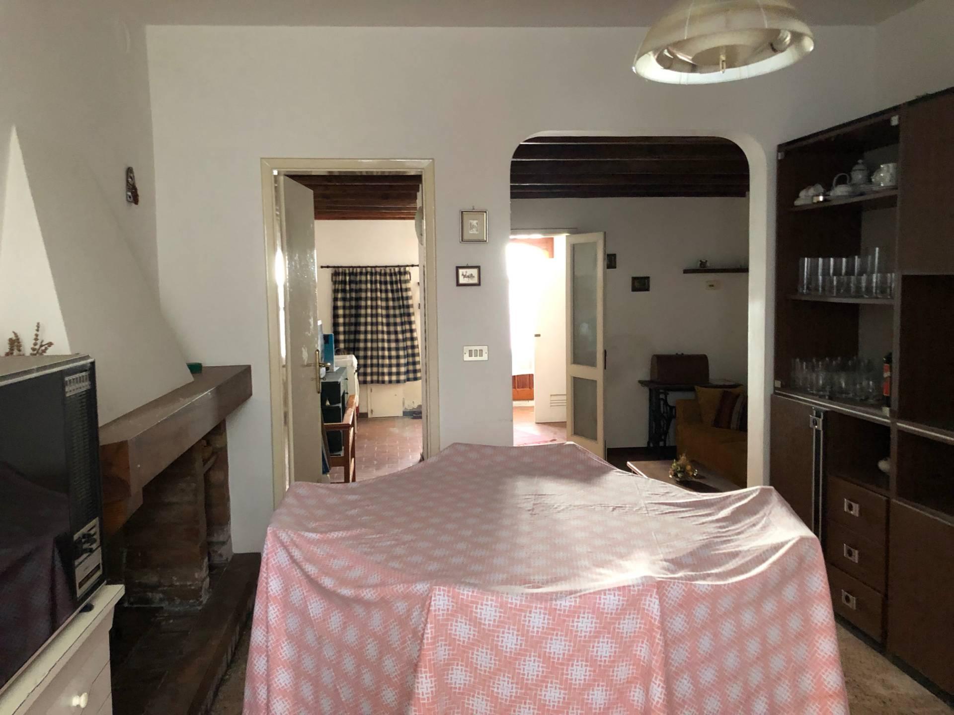 Appartamento in vendita a Servigliano, 3 locali, zona Località: centrostorico-muraquadrilatero, prezzo € 48.000 | CambioCasa.it