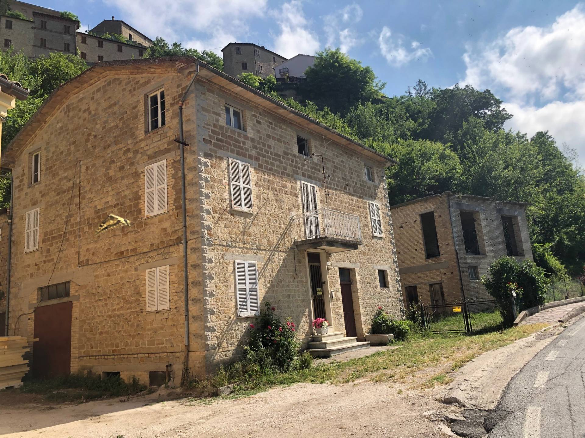Casa indipendente in vendita a Penna San Giovanni (MC)
