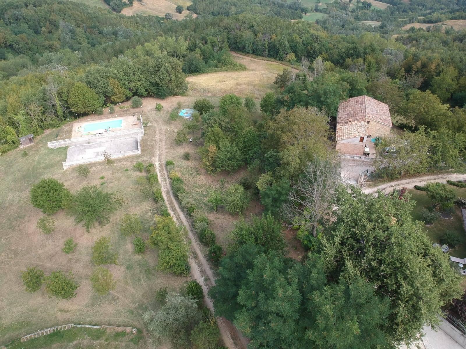 Casa indipendente in vendita a Gualdo (MC)