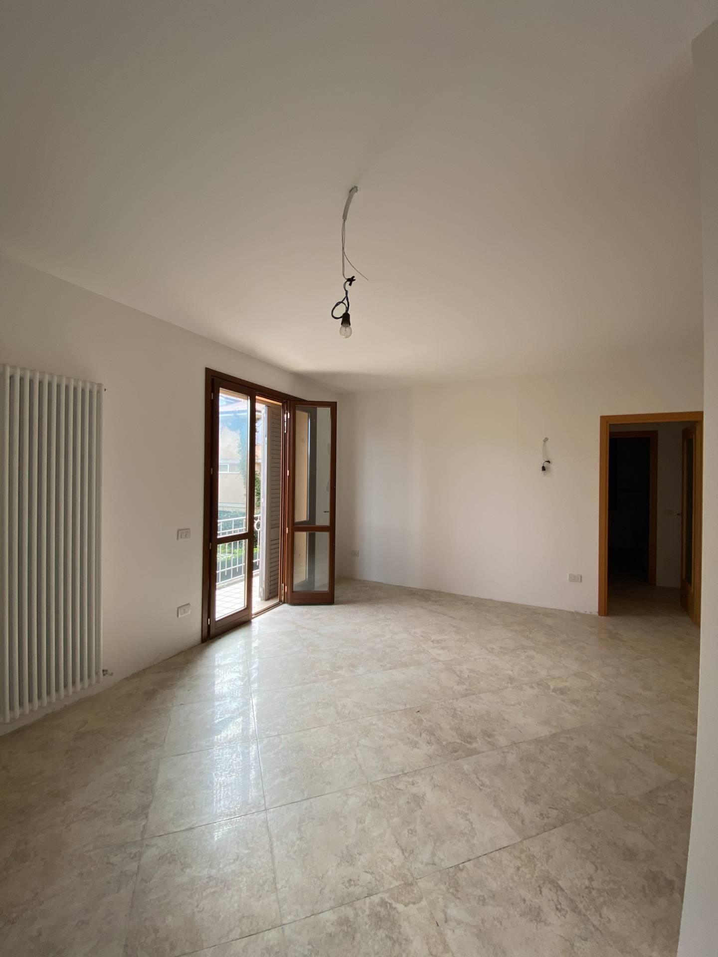 Appartamento in vendita a Servigliano, 5 locali, Trattative riservate   CambioCasa.it