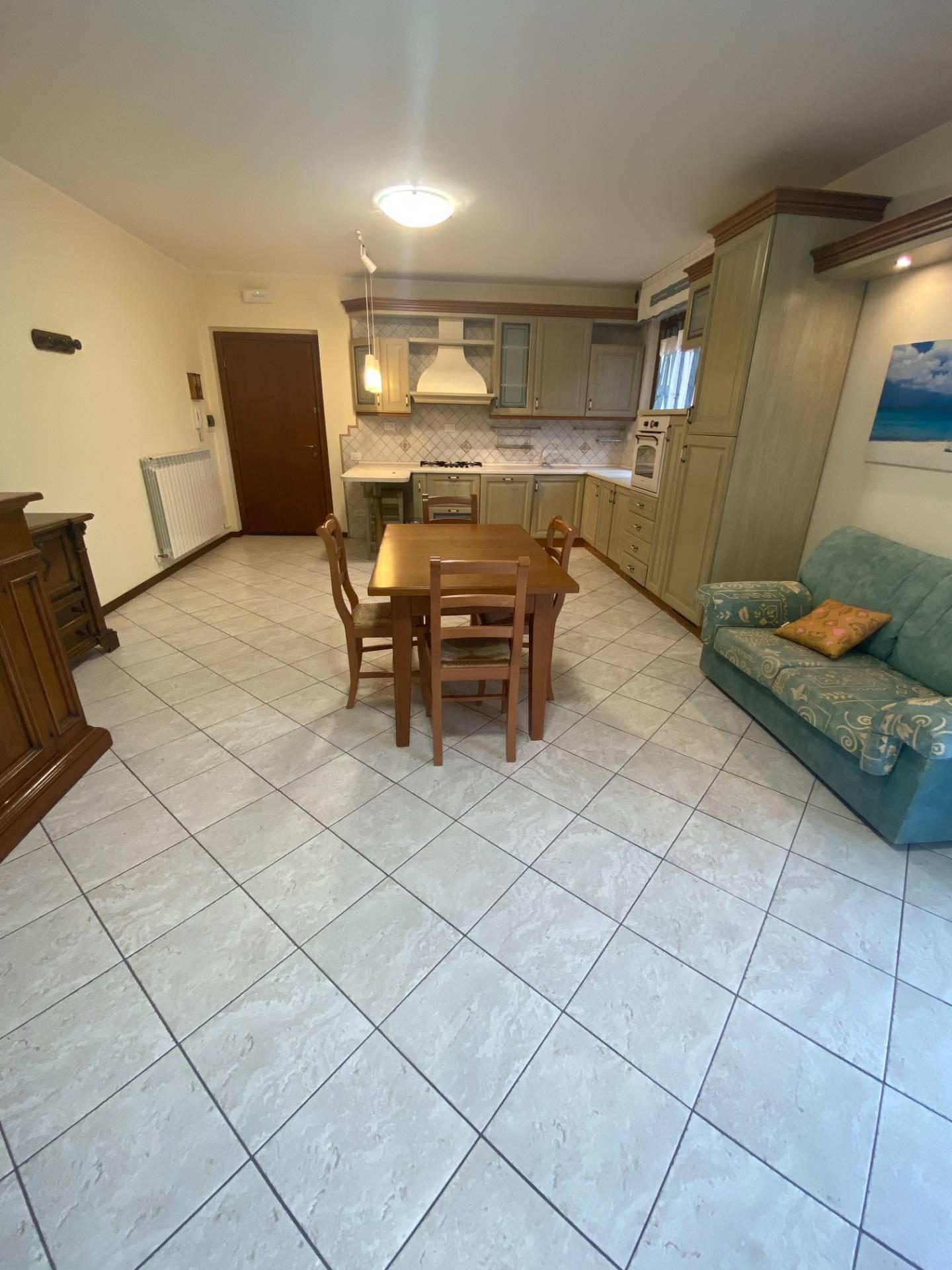 Appartamento in vendita a Montegiorgio, 6 locali, prezzo € 135.000   PortaleAgenzieImmobiliari.it