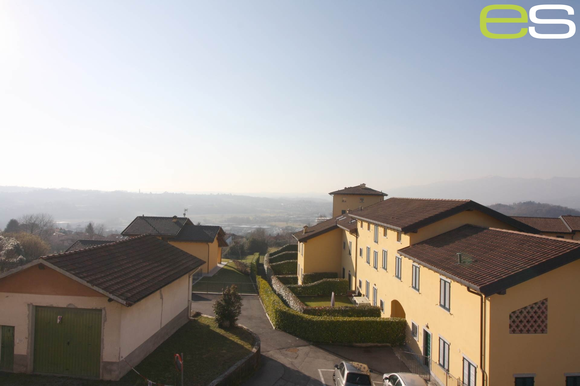 Villa in Vendita a Castello di Brianza