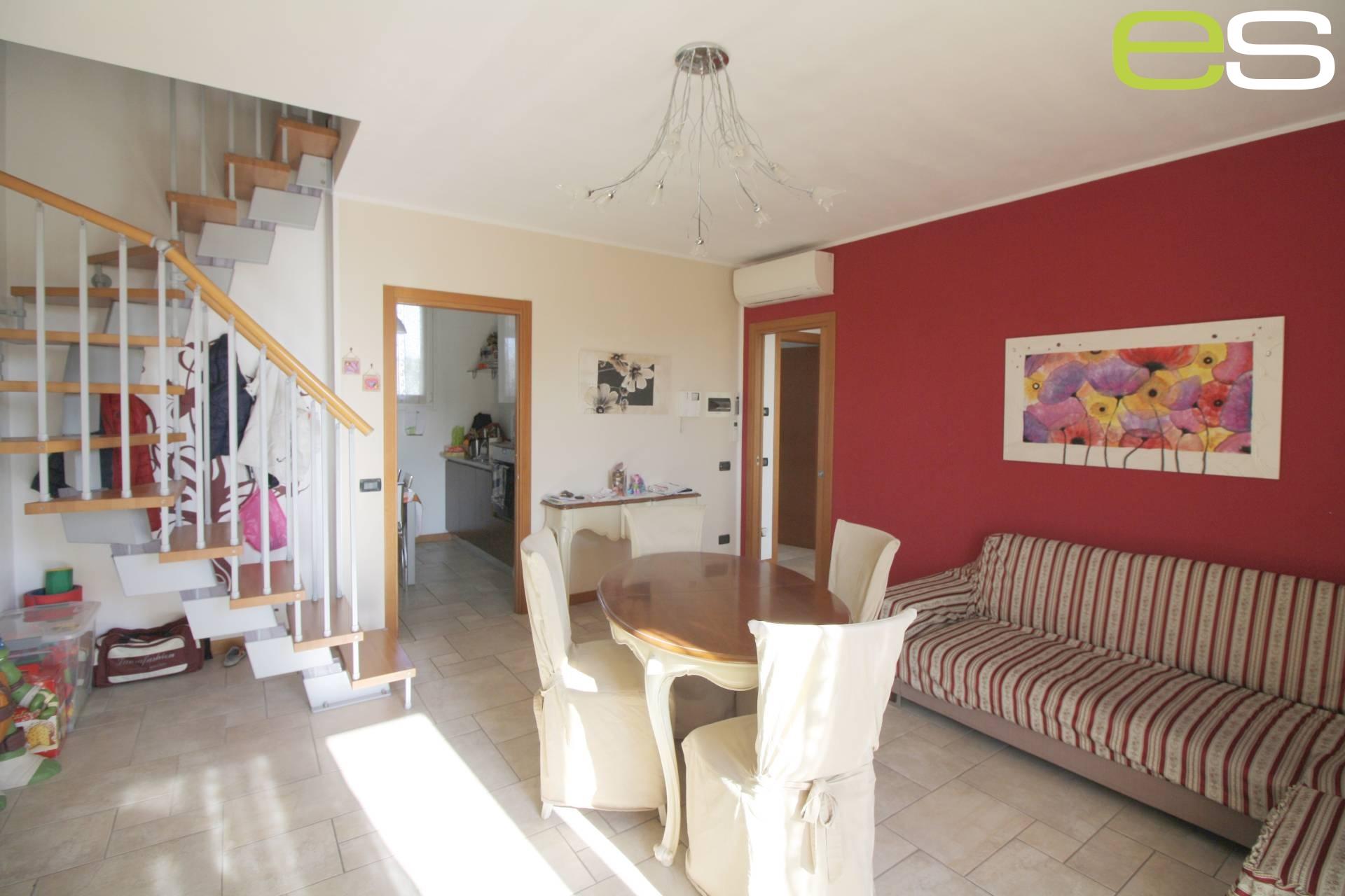 Appartamento in vendita a Nibionno, 3 locali, prezzo € 209.000 | Cambio Casa.it