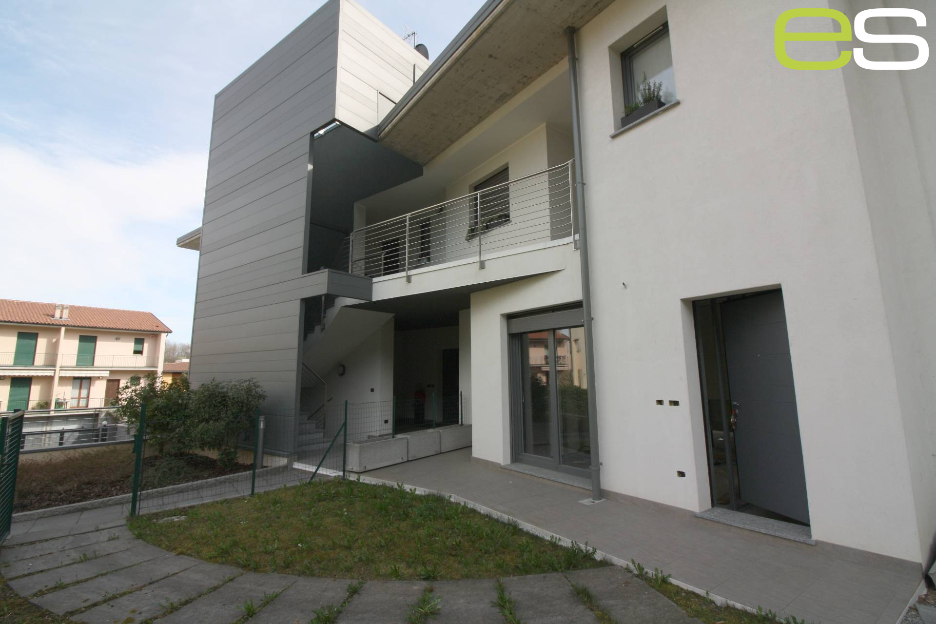 Vendita Trilocale Appartamento Alzate Brianza 205041