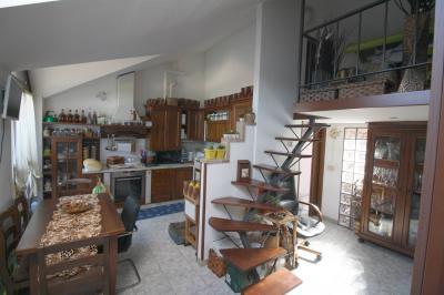 Appartamento in Vendita a Renate