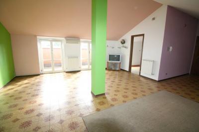 Appartamento in Vendita a Nibionno