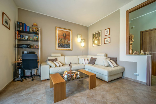 Appartamento in Vendita a Cassago Brianza