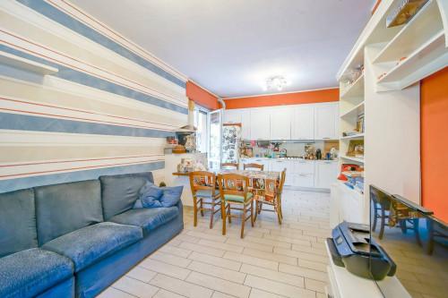 Appartamento in Vendita a Monticello Brianza