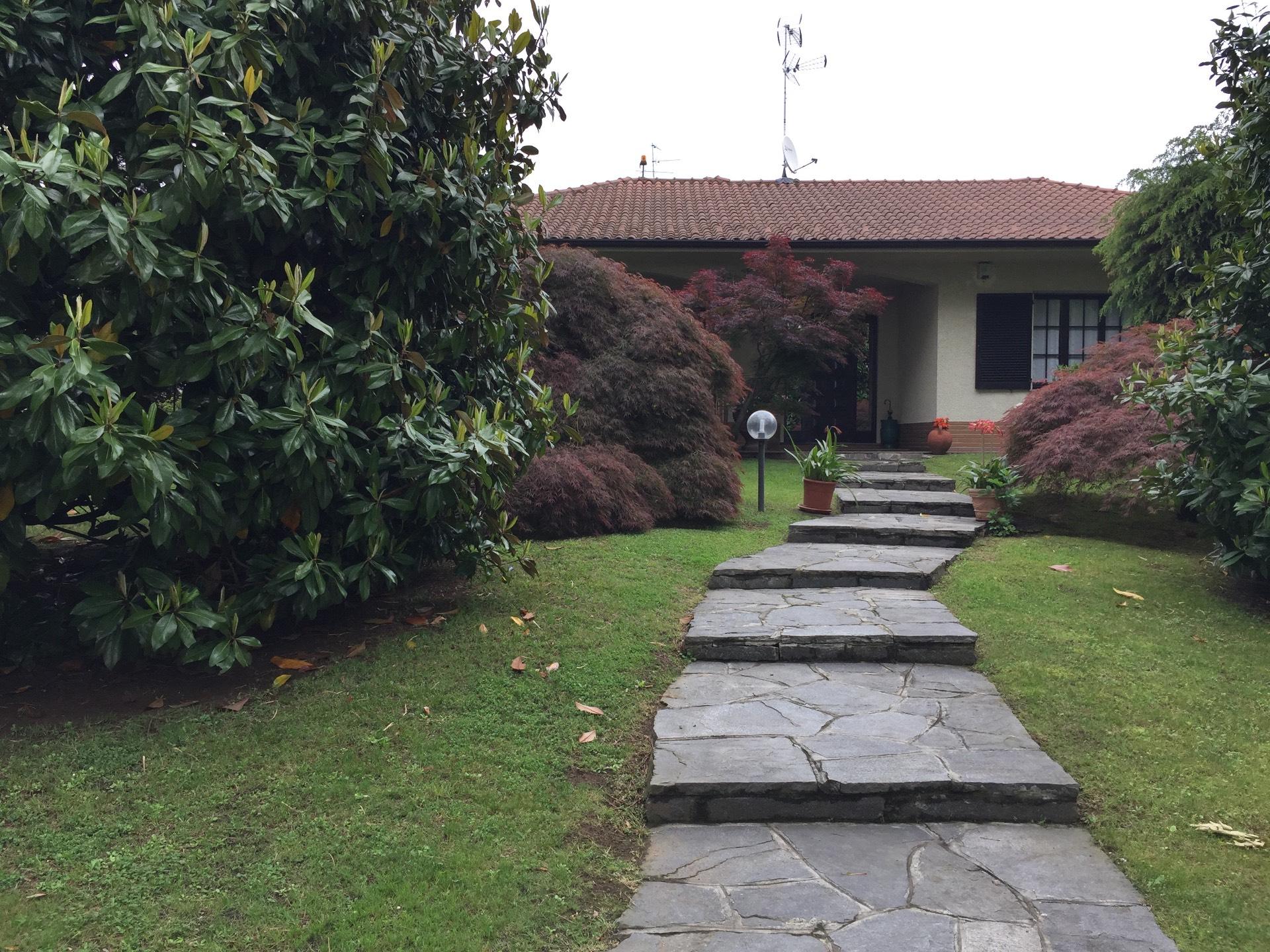 Cerro Maggiore | Villa in Vendita in  | lacasadimilano.it