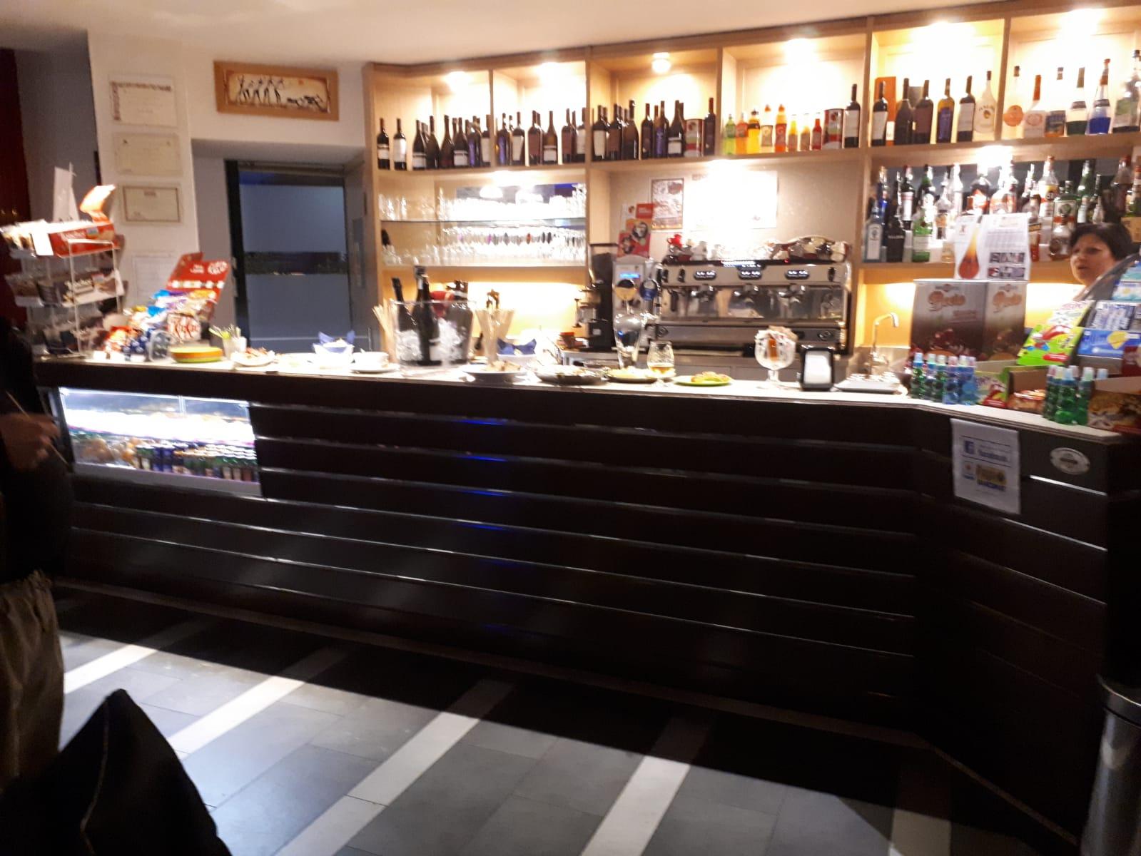Bar in affitto a Dairago, 9999 locali, prezzo € 1.300 | CambioCasa.it