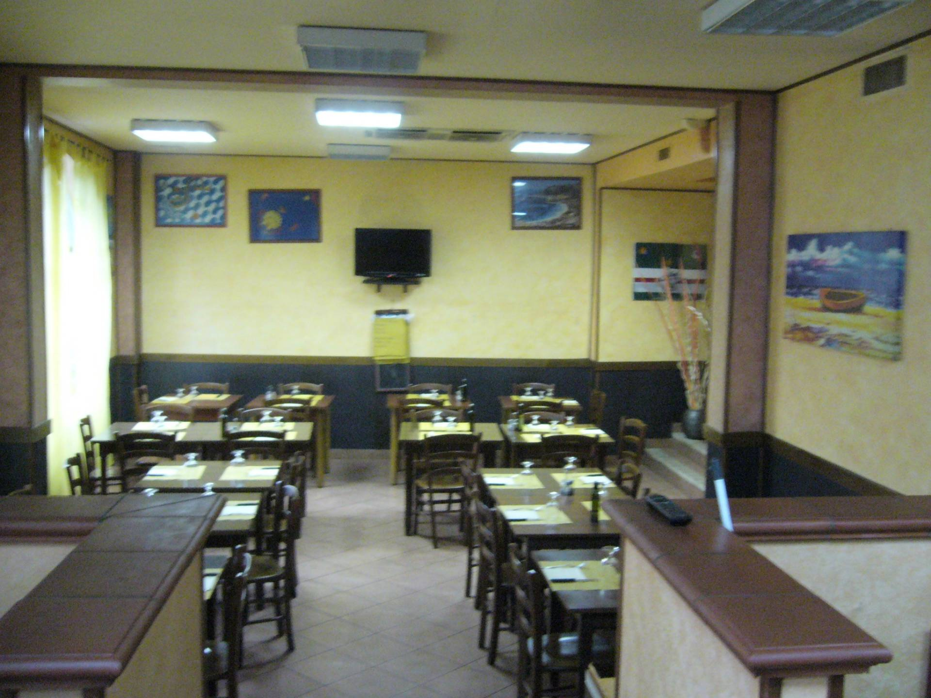 Attività / Licenza in affitto a Cerro Maggiore, 9999 locali, prezzo € 1.400 | CambioCasa.it
