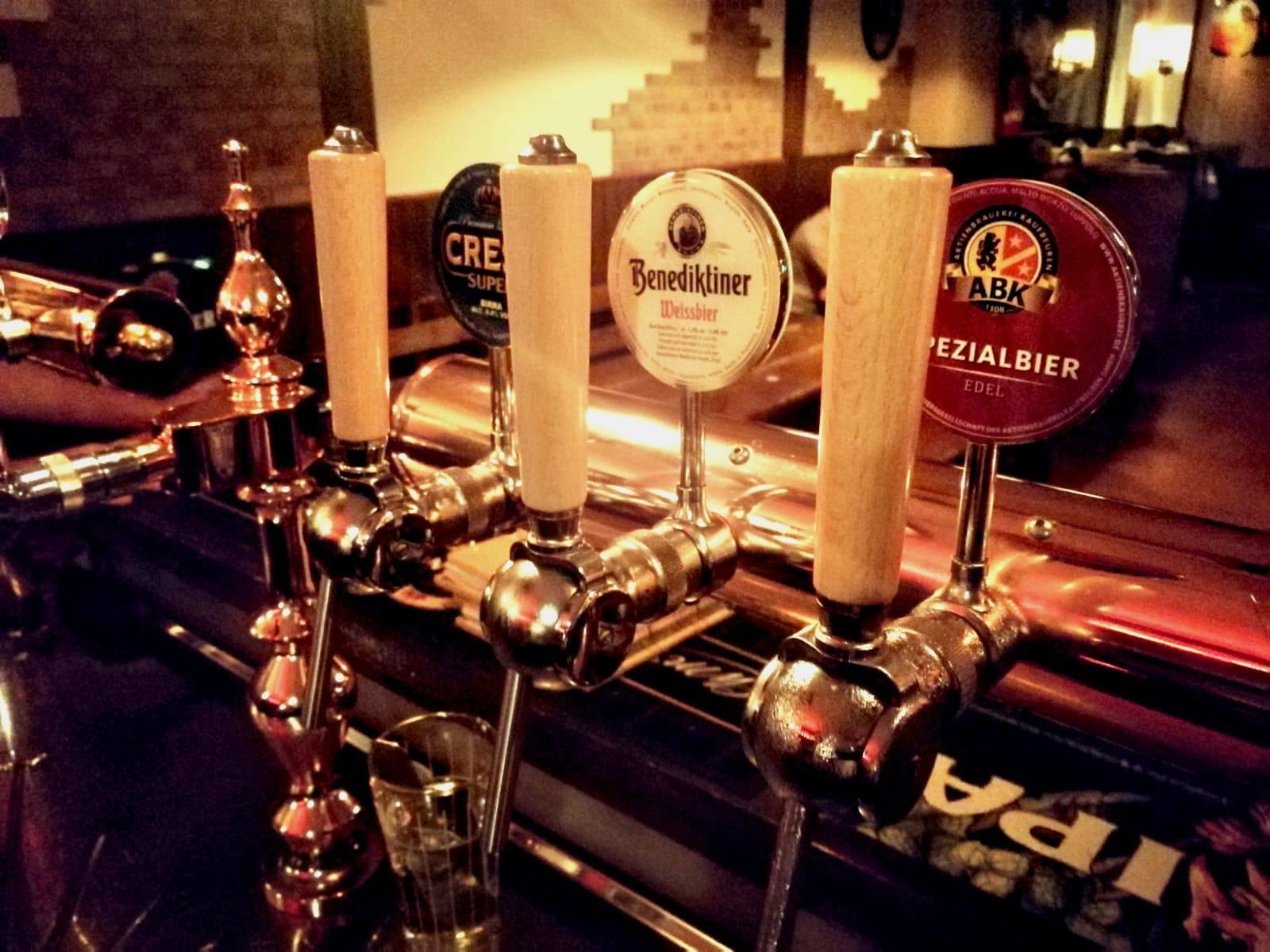 Bar in vendita a Castellanza, 9999 locali, prezzo € 120.000   PortaleAgenzieImmobiliari.it