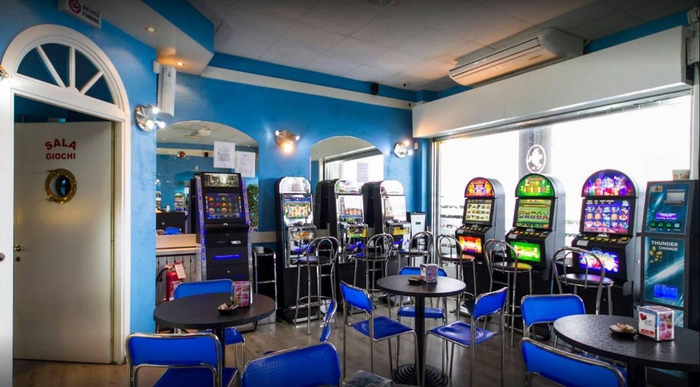 Vendita Bar Attività commerciale Legnano 59008
