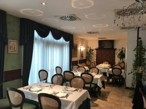 ristorante in Vendita a Lainate