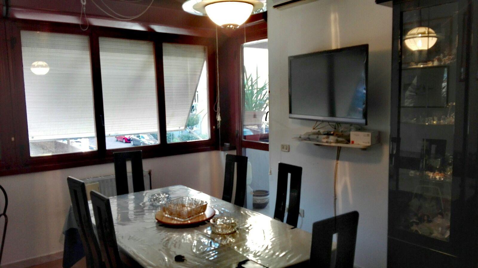 Appartamento in vendita a Guidonia Montecelio, 3 locali, zona Località: ColleFiorito, prezzo € 130.000   Cambio Casa.it