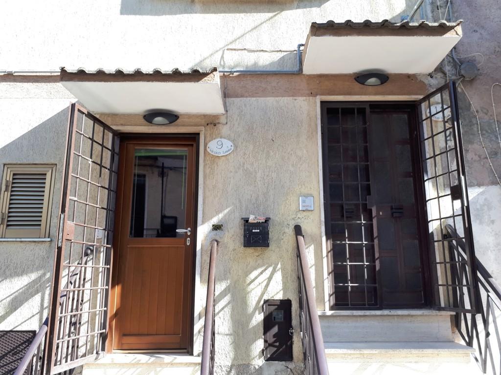 Appartamento in vendita a Montorio Romano, 4 locali, prezzo € 125.000 | Cambio Casa.it
