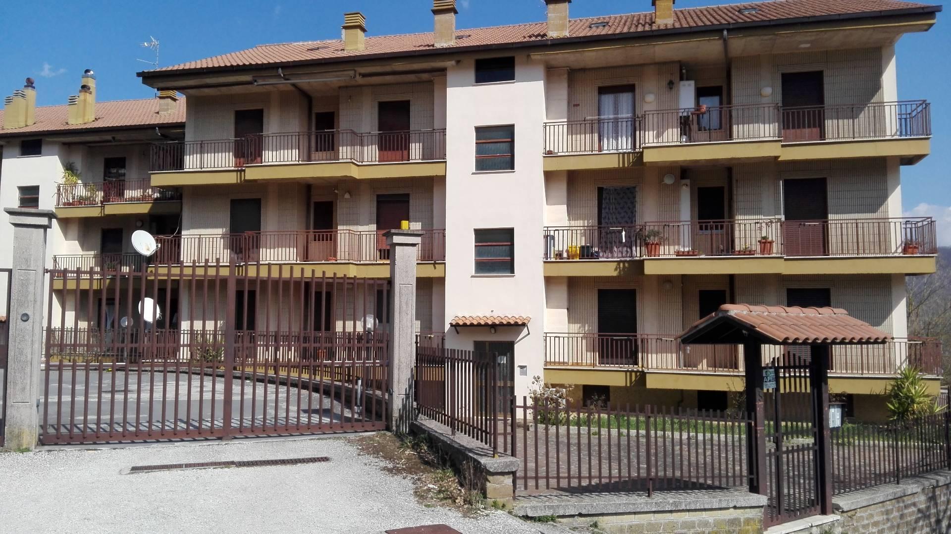 Appartamento in vendita a Pisoniano, 3 locali, prezzo € 100.000 | Cambio Casa.it