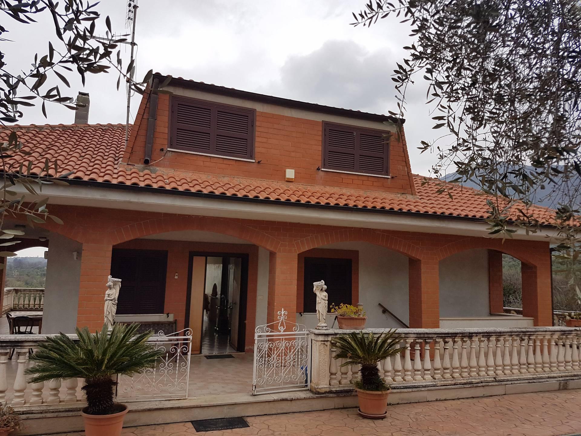 Villa in vendita a Marcellina, 5 locali, zona Zona: Campetella, prezzo € 650.000 | Cambio Casa.it