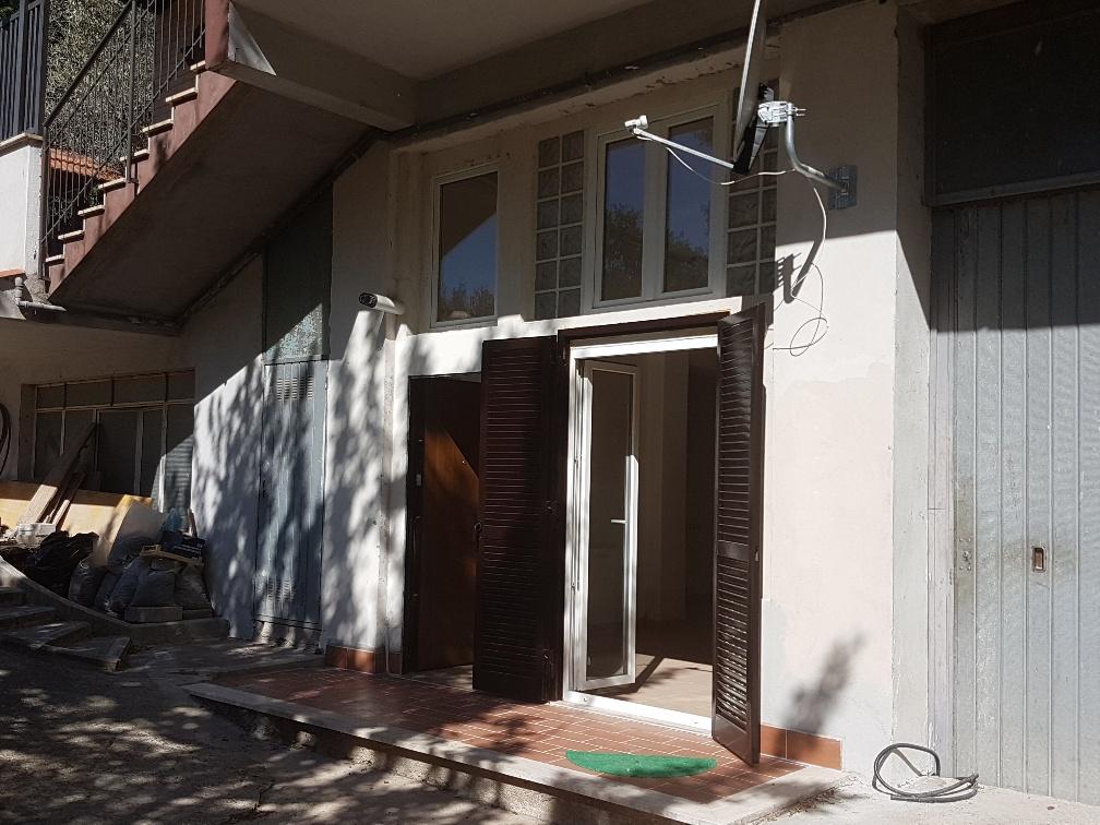 Appartamento in vendita a Tivoli, 2 locali, zona Località: Tivolicittà, prezzo € 65.000 | Cambio Casa.it