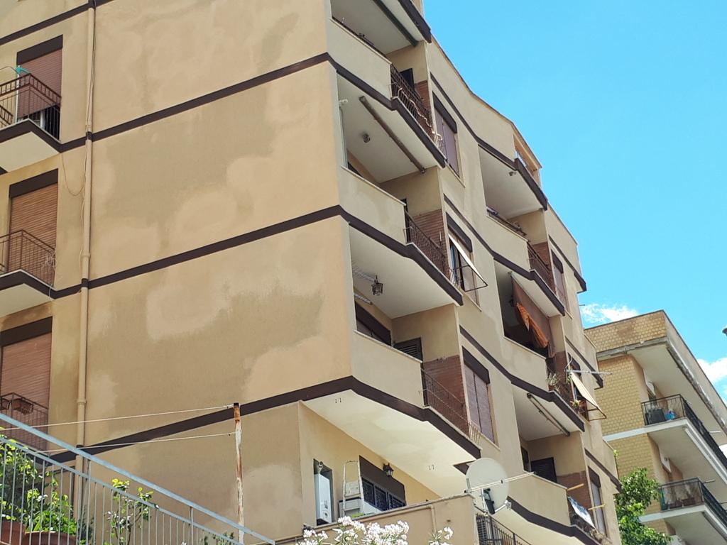 Appartamento in vendita a Tivoli, 4 locali, zona Località: Tivolicittà, prezzo € 128.000 | Cambio Casa.it