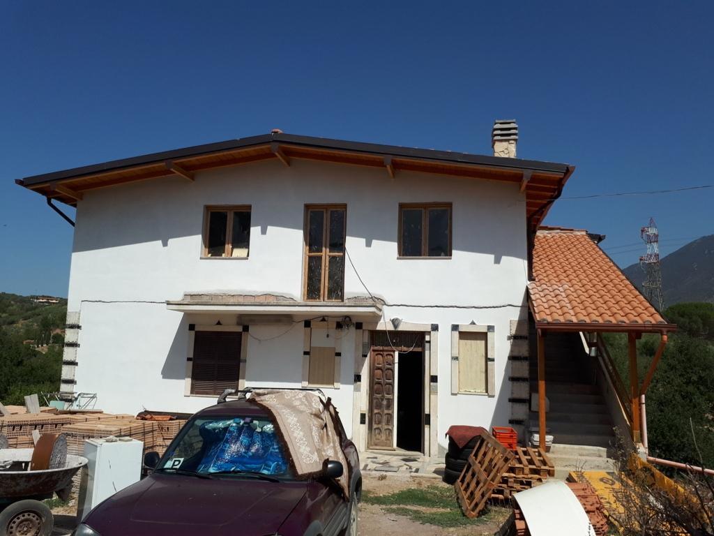 Villa in vendita a Marcellina, 4 locali, prezzo € 210.000   CambioCasa.it