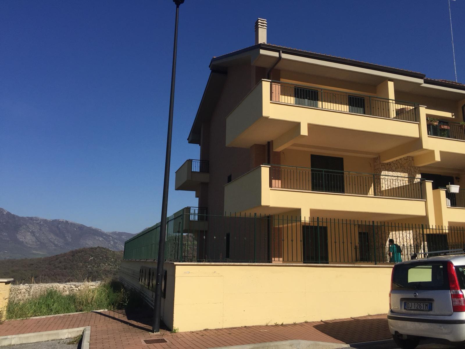 Appartamento in vendita a Sant'Angelo Romano, 5 locali, prezzo € 270.000 | CambioCasa.it