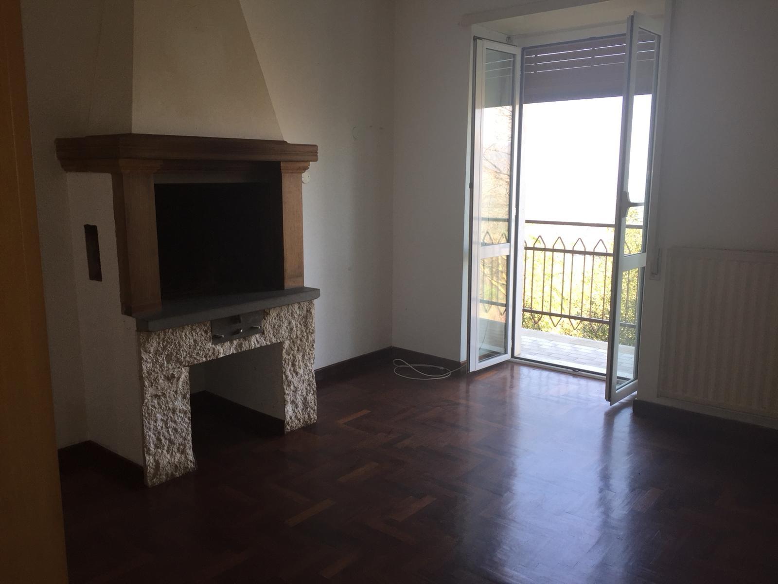 Appartamento in vendita a Sant'Angelo Romano, 3 locali, prezzo € 95.000 | CambioCasa.it