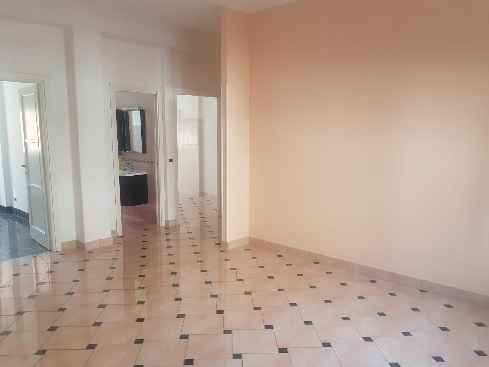 Appartamento in vendita a Guidonia Montecelio, 3 locali, zona Zona: Guidonia, prezzo € 128.000 | CambioCasa.it
