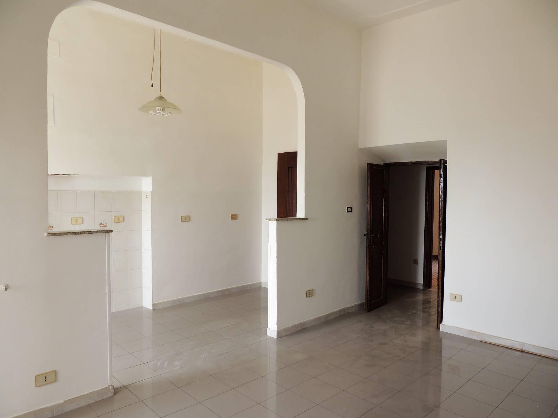 Appartamento in vendita a Sant'Angelo Romano, 2 locali, prezzo € 65.000 | CambioCasa.it