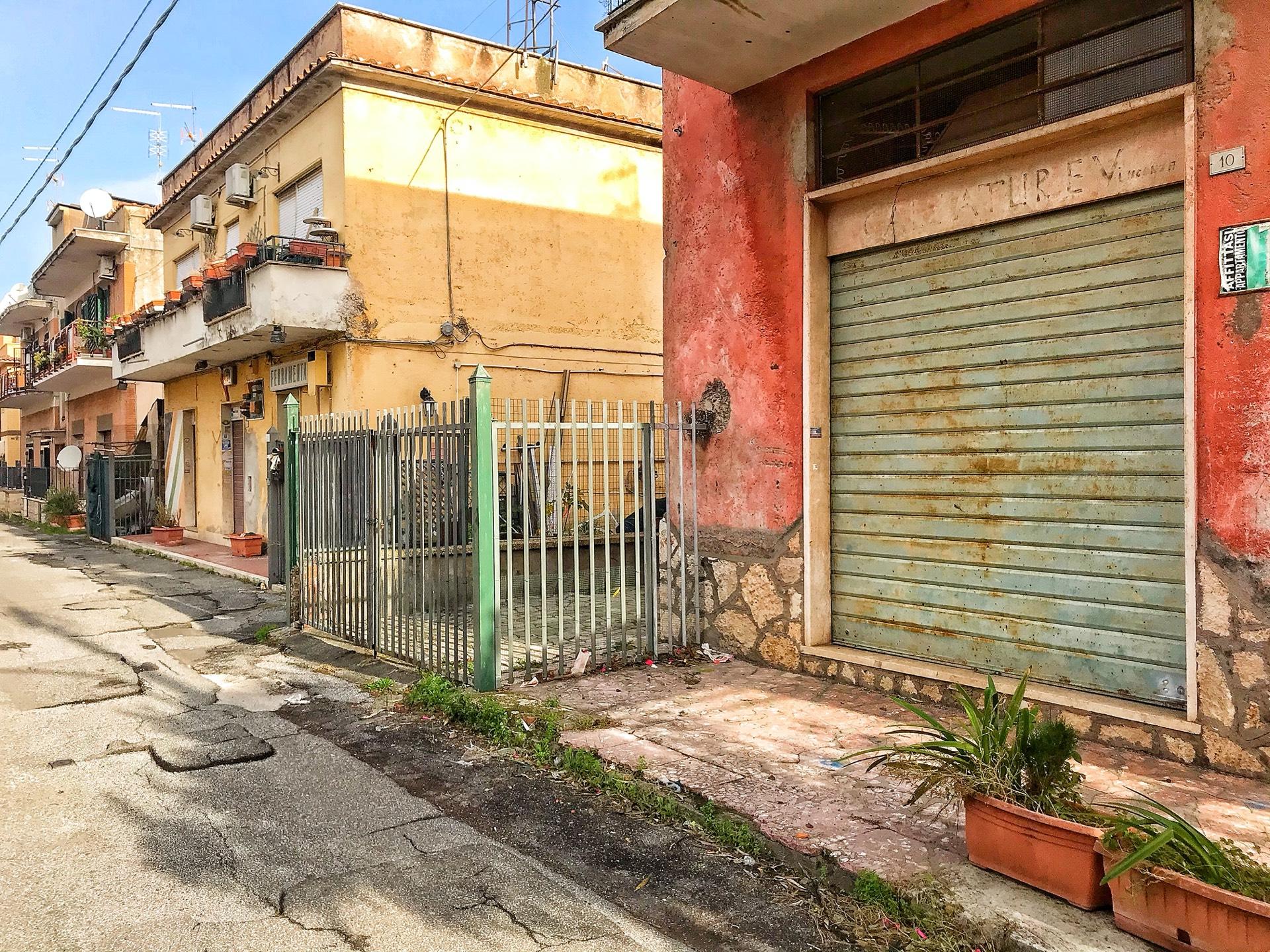 Appartamento in vendita a Tivoli, 2 locali, zona Località: VillaAdriana, prezzo € 110.000   CambioCasa.it