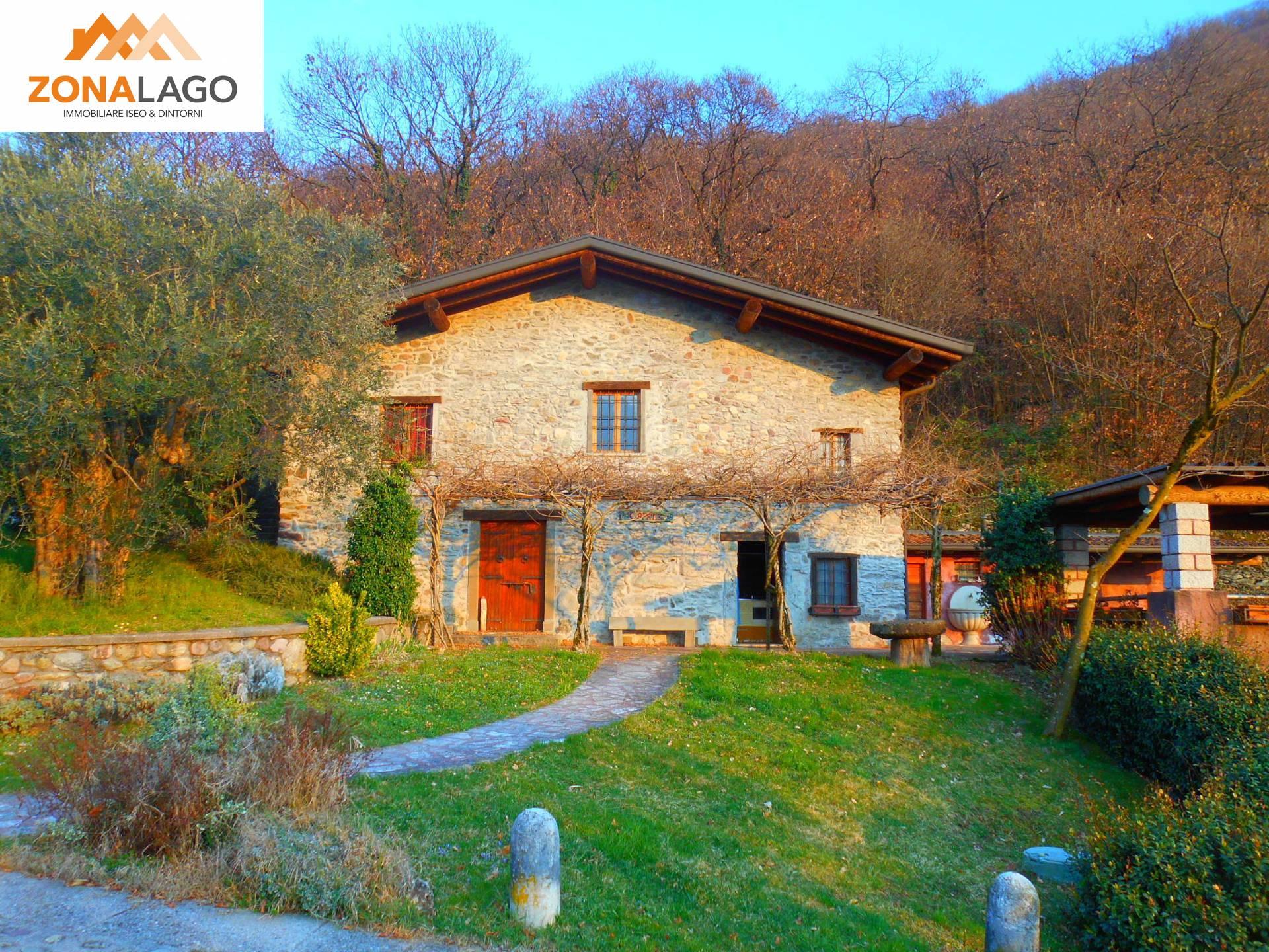 Rustico / Casale in vendita a Iseo, 5 locali, prezzo € 350.000 | PortaleAgenzieImmobiliari.it
